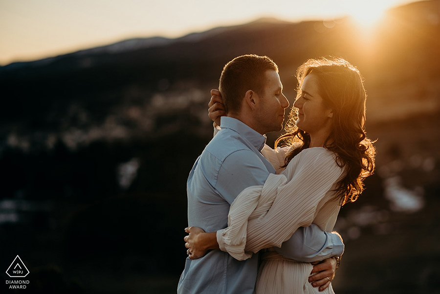 engagement session in the mountains in the Capcir area